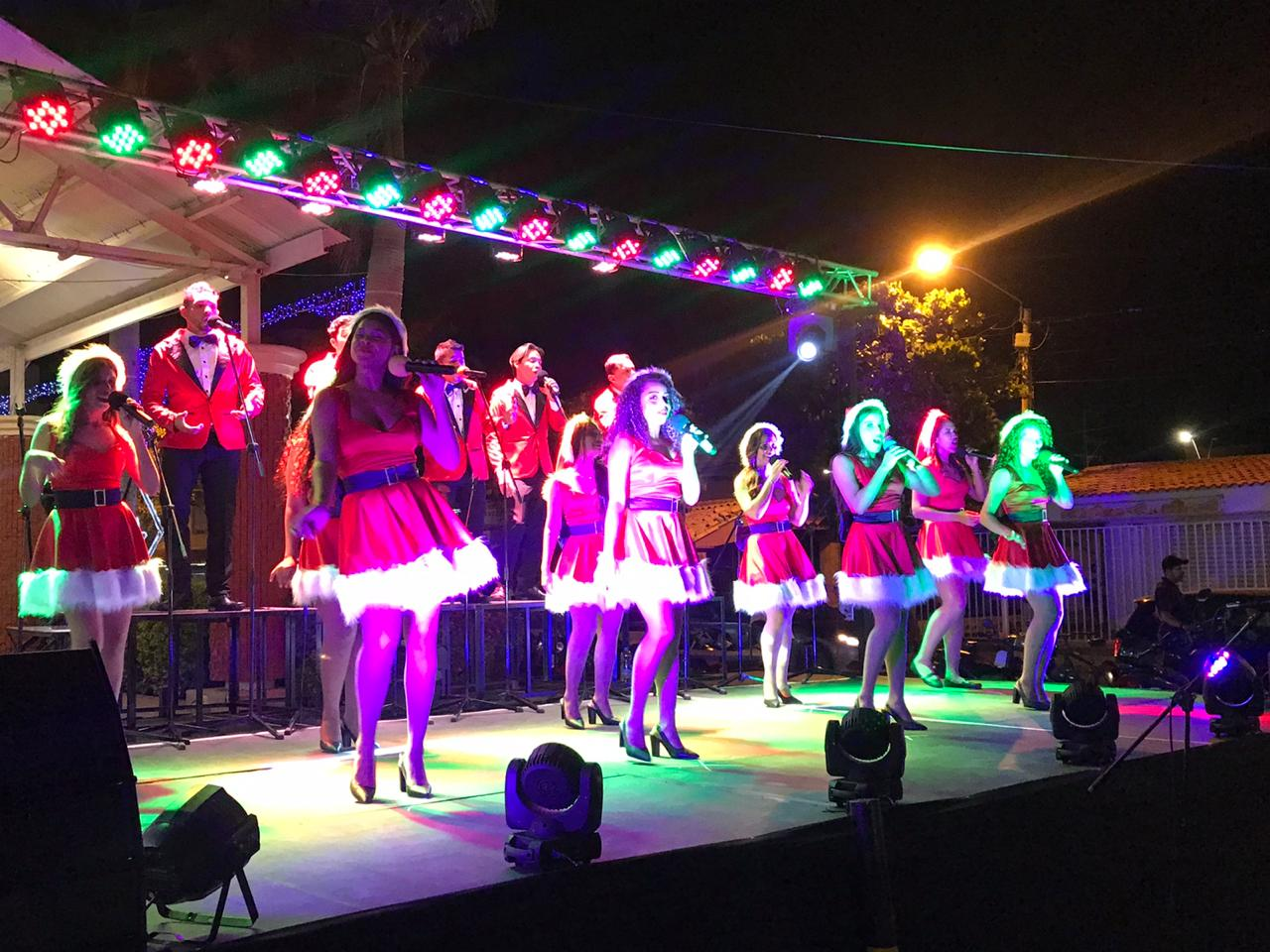 Show de Navidad en Plazuela 23 a cargo del grupo Armonía.