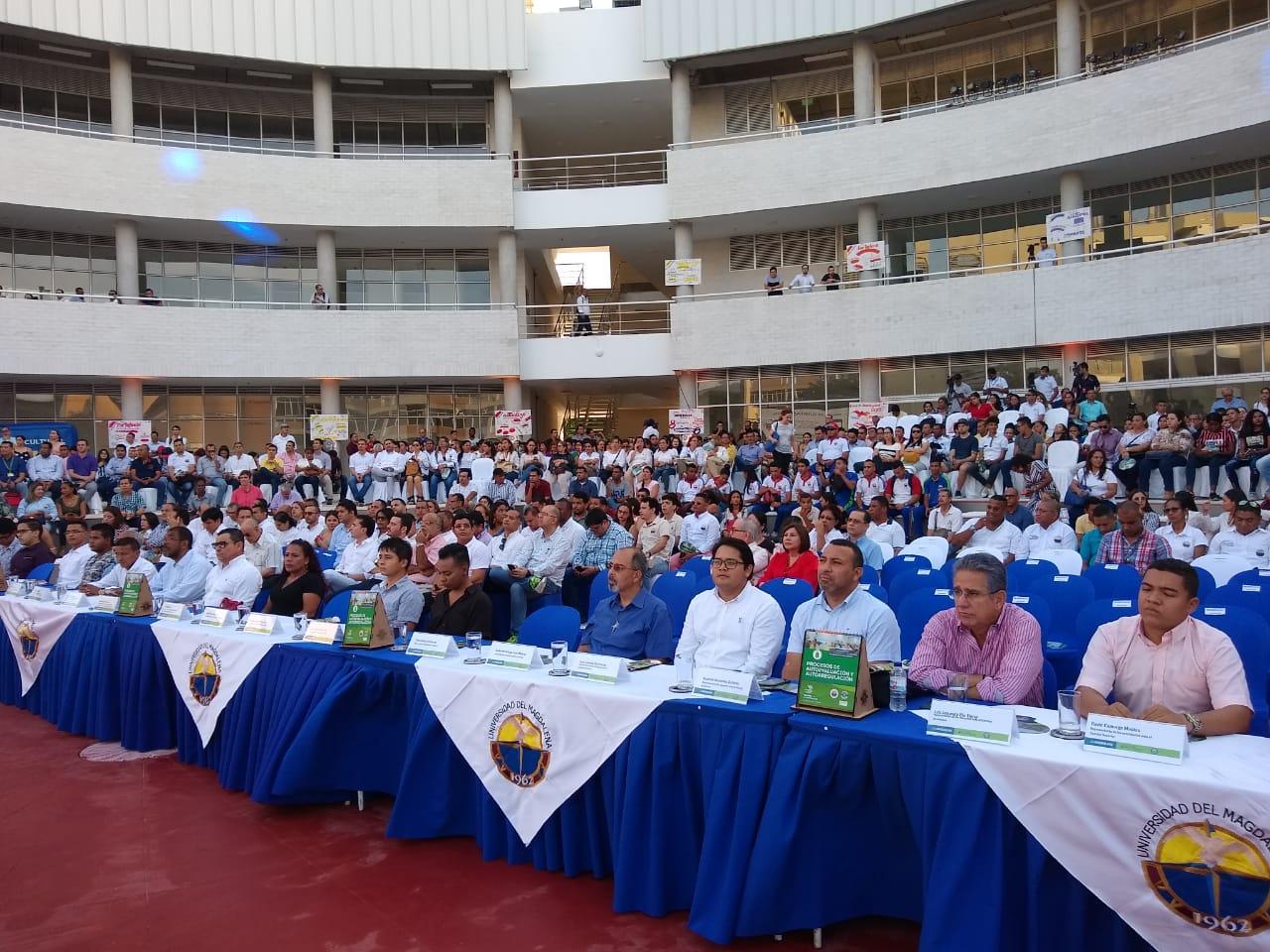 El evento contó con la presencia de estudiantes, directivos, profesores y otras personalidades de Santa Marta y el departamento.