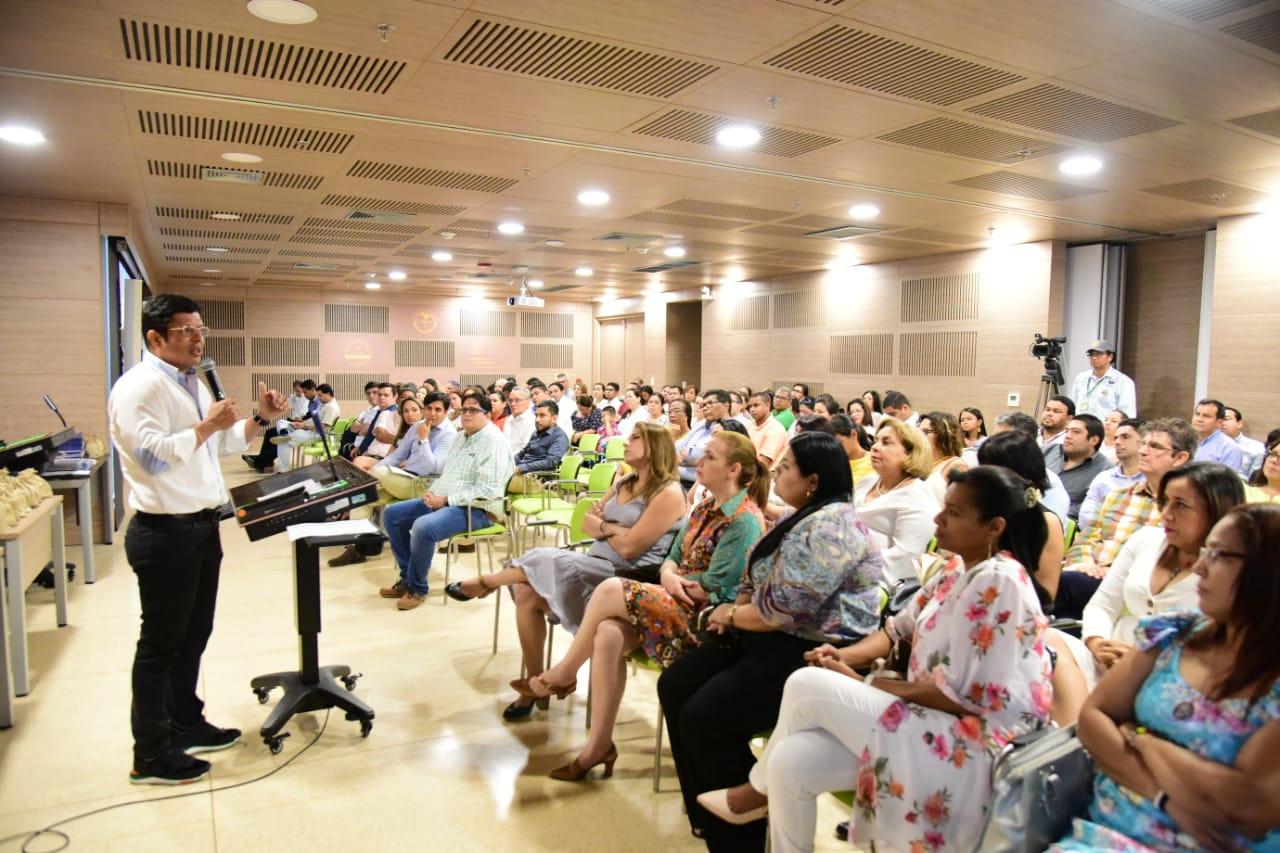 El acto que se realiza anualmente fue presidido por Pablo Vera Salazar, rector de la Alma Mater.