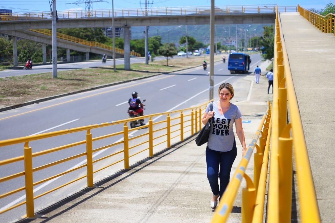 Campaña para el uso de los puentes peatonales en Santa Marta