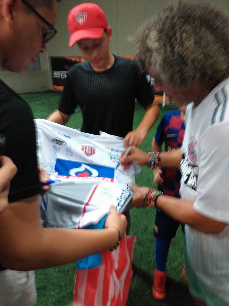 El nuevo técnico de Millonarios compartió con los samarios.