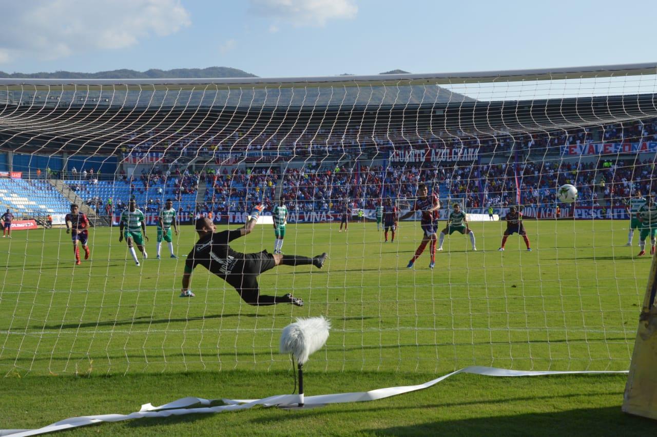 Penal que cobró Márquez para darle la victoria al Unión.