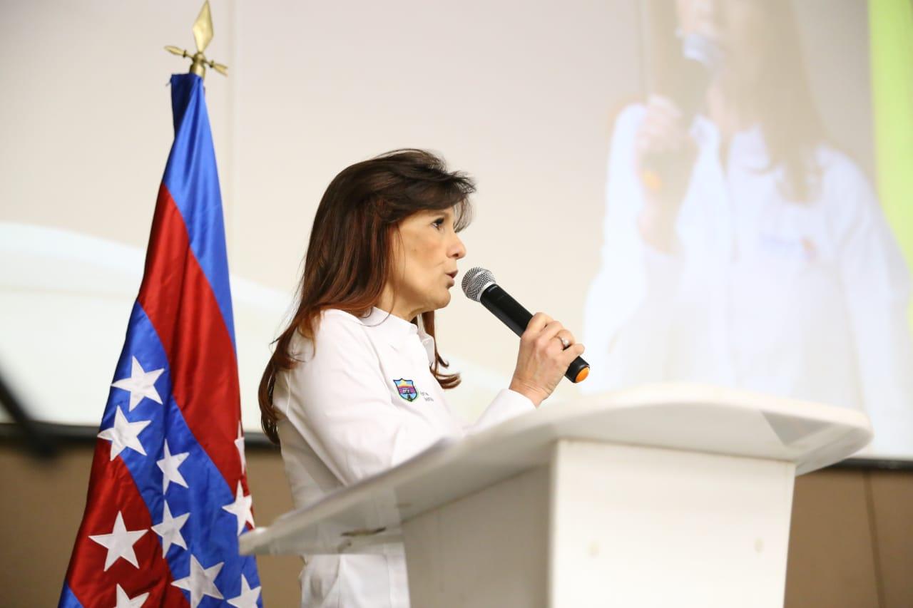 La gobernadora Rosa Cotes se comprometió con los estudios y diseños de los viaductos.