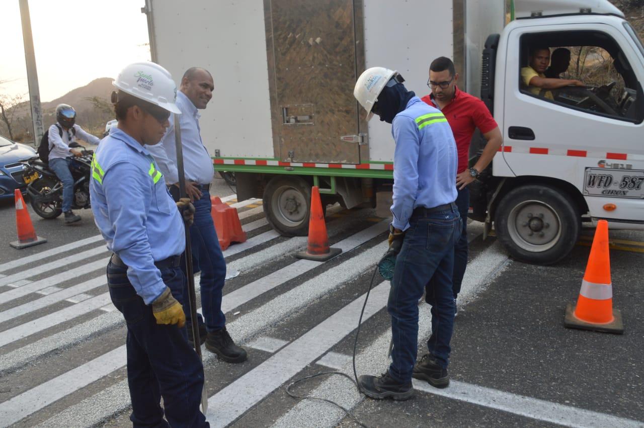 Los conductores se quejaron y la Alcaldía actuó retirando los reductores.