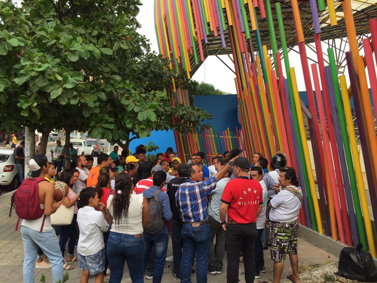 Los líderes y la comunidad de Gaira hicieron una protesta pacífica.
