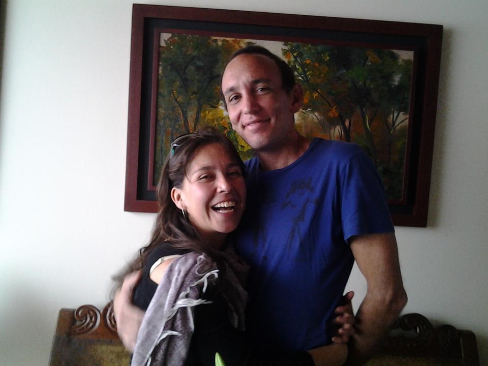Nufar Charuvi junto a su pareja, con quien residía en Taganga hace más de cinco años.