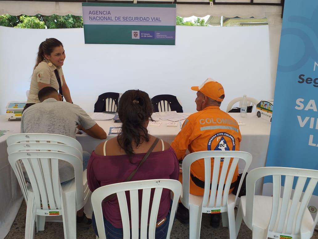 Este viernes se realizó la Feria de Servicios presentando la oferta institucional nacional y departamental que estuvo disponible para la ciudadanía
