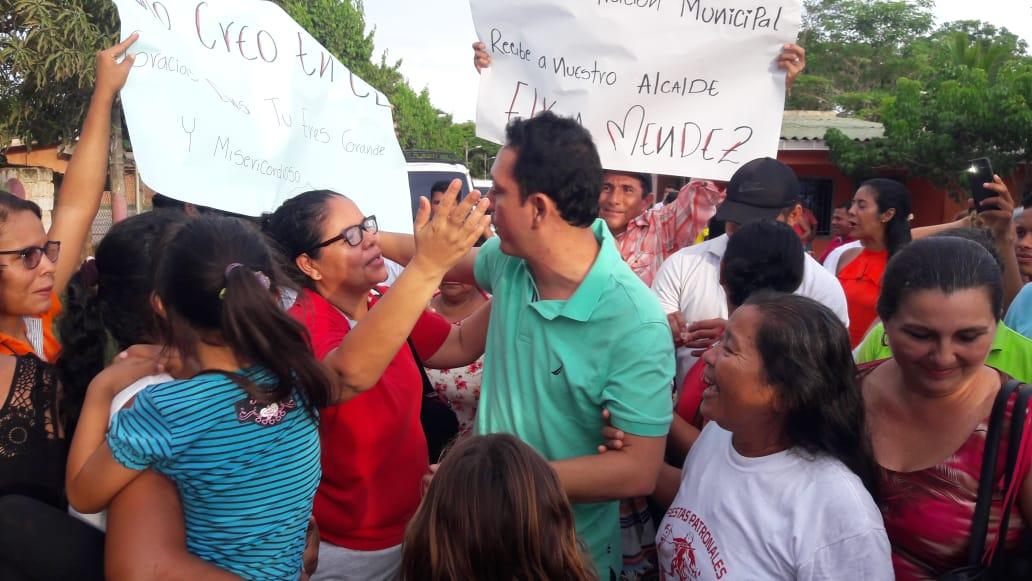 Elkin Méndez fue recibido por la comunidad guamalera.