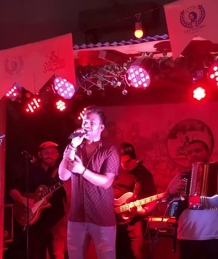 Gusi- cantante