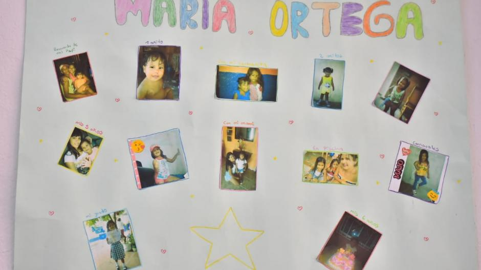 Cartelera de reconocimiento a María José Ortega.