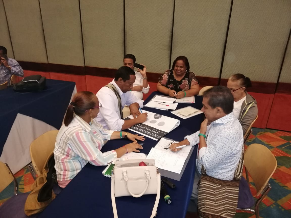 La reunión se desarrolló con el propósito de fortalecer el liderazgo del directivo docente a través de la incorporación de herramientas.