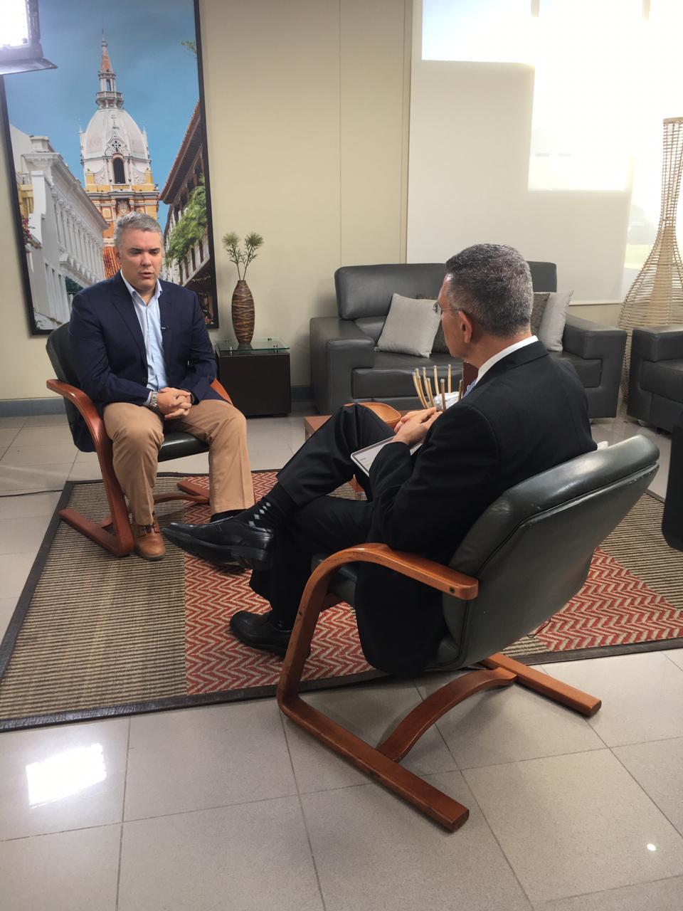 Iván Duque, en entrevista exclusiva con Jorge Cura, en Bogotá.