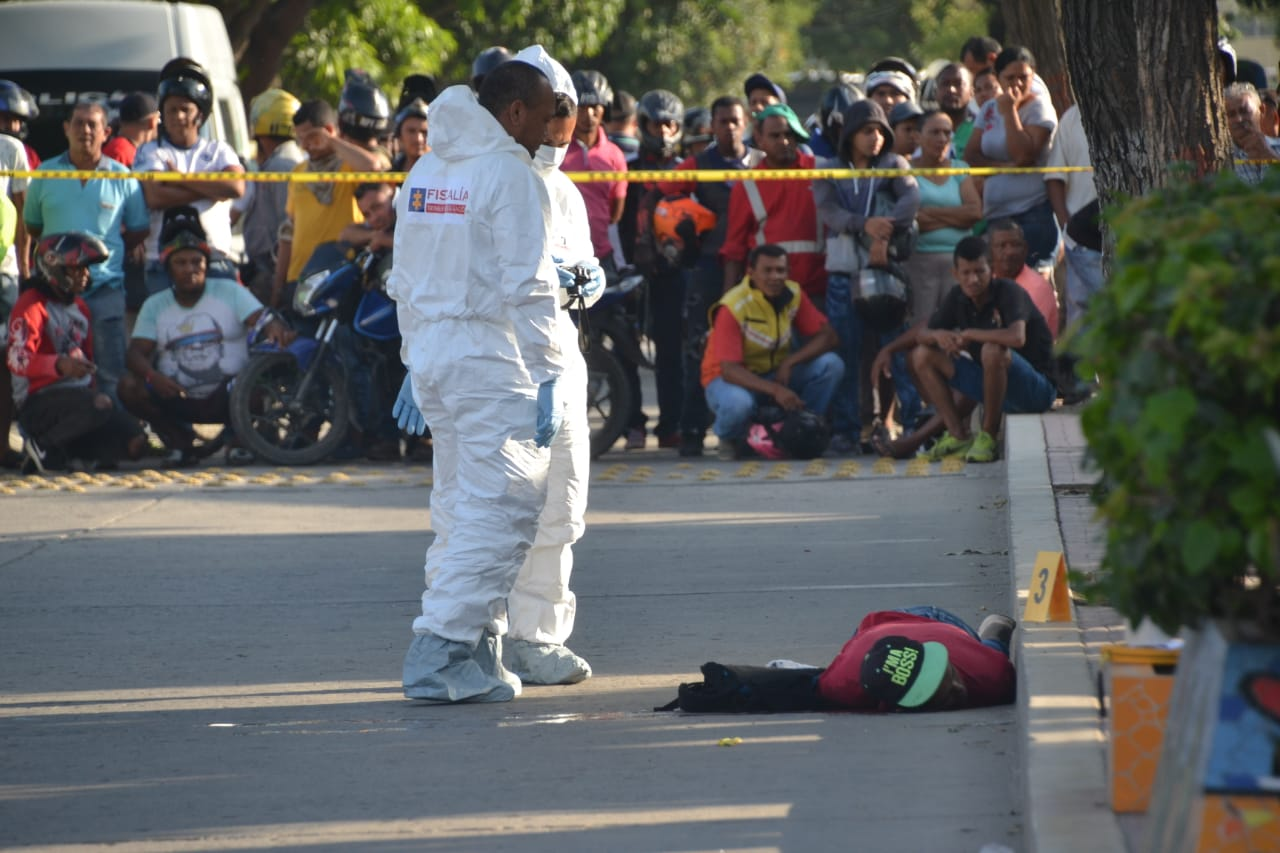 Sicario abatido luego del crimen de un hombre al frente del colegio Liceo del Norte.