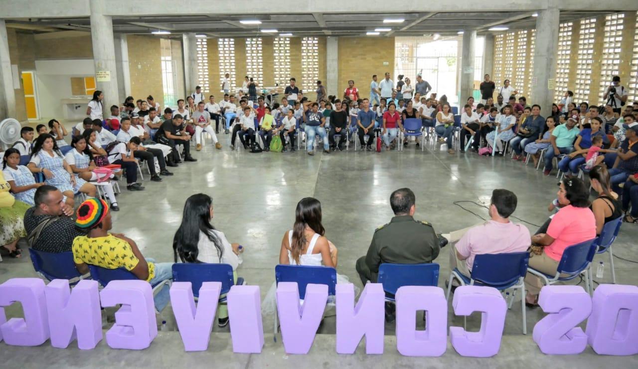 En el Conversatorio participaron los líderes y residentes de Ciudad Equidad.