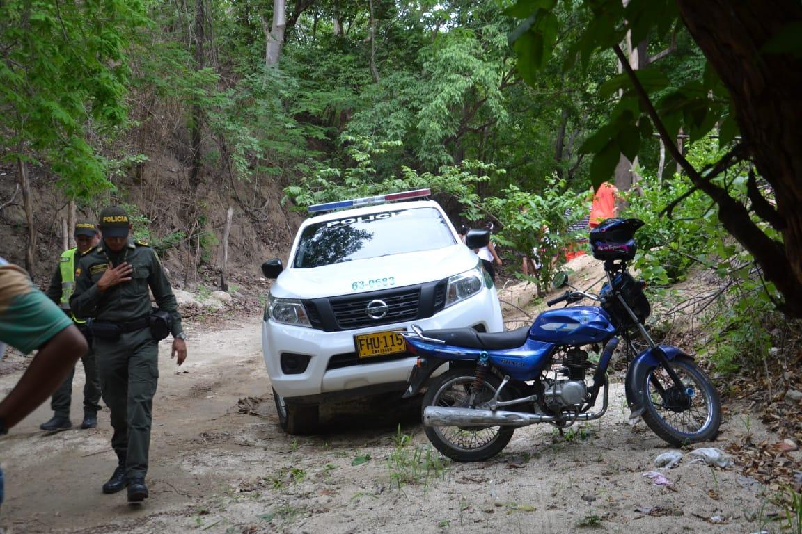 Personal de la Policía llegó al lugar para dar inicio a la investigación.