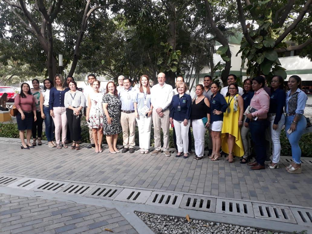 Encuentro entre directivos de la UCC y alcalde Andrés Rugeles