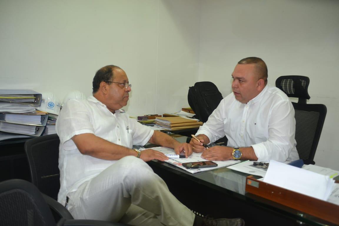 El agente interventor Román Montenegro se reunió con el gerente encargado Jairo Romo.