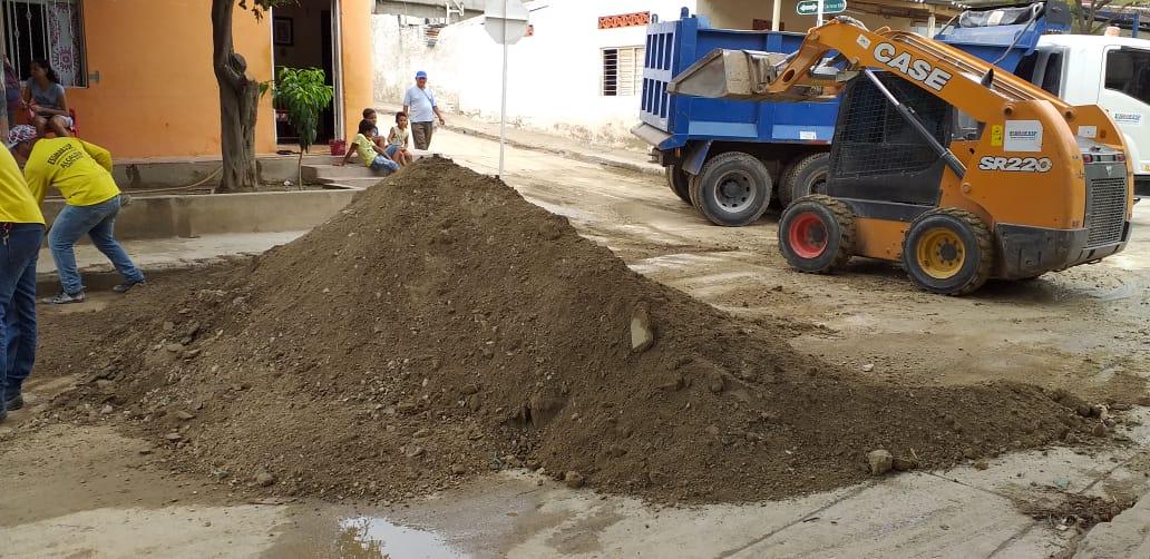 Trabajos de retiro de sedimentación en la Localidad 2.