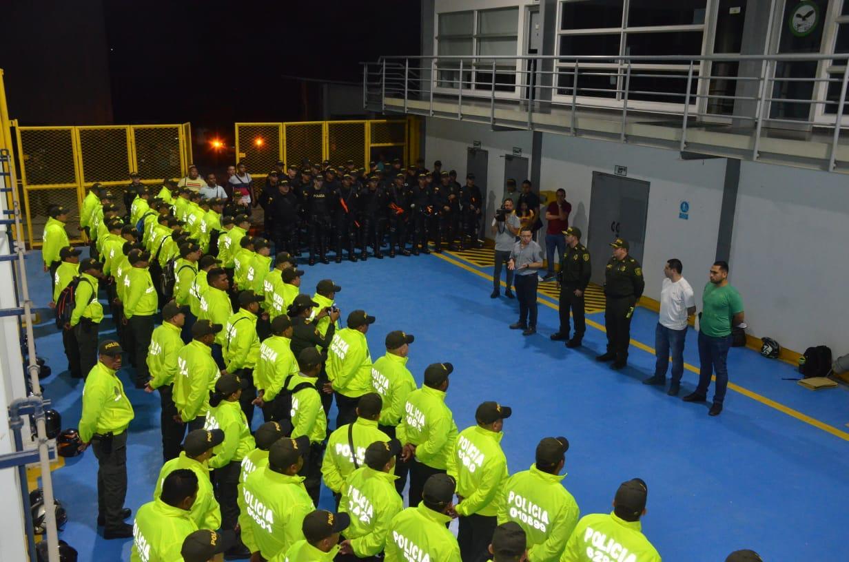 Los uniformados de la Metropolitana realizaron operativos en la madrugada de este miércoles.