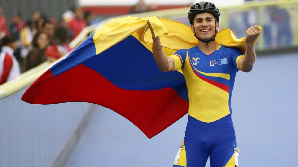 El patinador santandereano Pedro Causil.