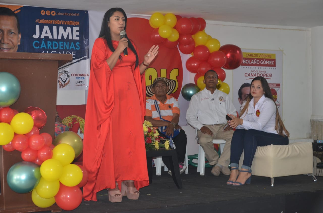 Directora nacional del movimiento, Martha Peralta Epieyú,