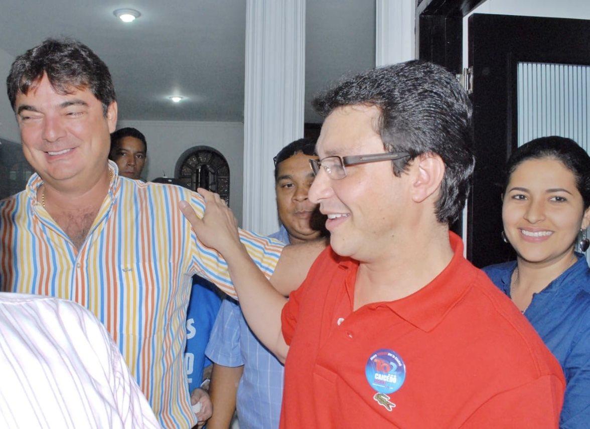 Carlos Caicedo inscribió su candidatura respaldado por Manuel Julián Dávila.