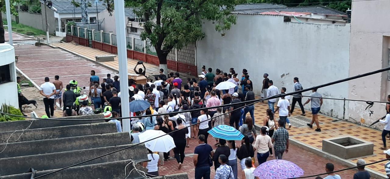 El lunes se llevó a cabo el sepelio de uno de los asesinados del pasado domingo.
