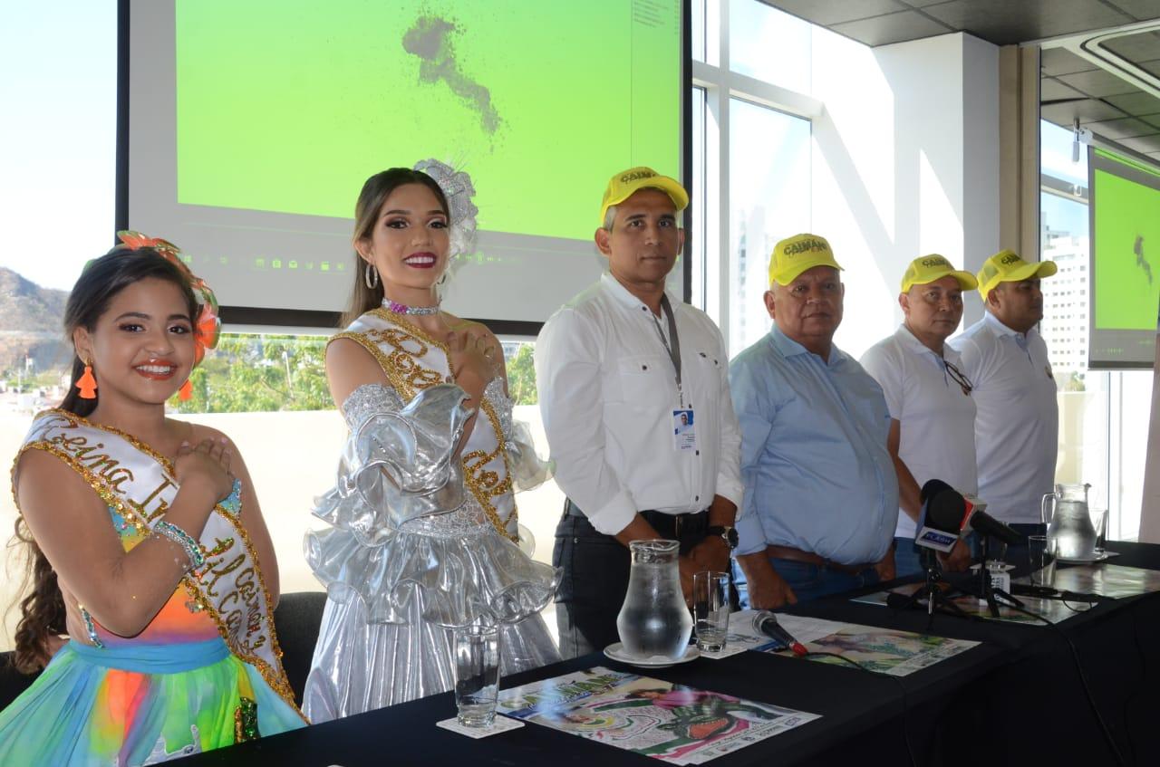 Mesa principal en el lanzamiento del Festival Nacional del Caimán