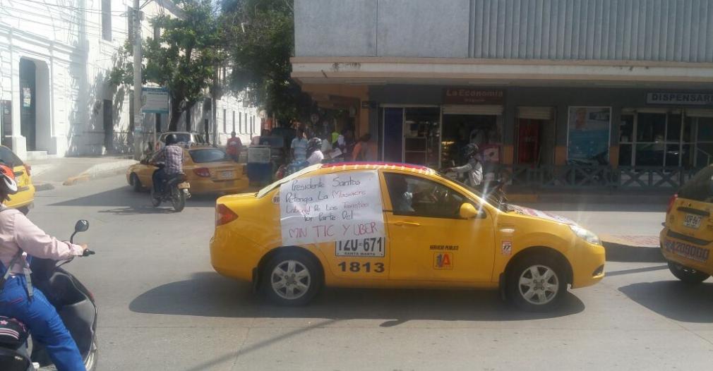 Protesta de taxistas por presencia de Uber en Santa Marta