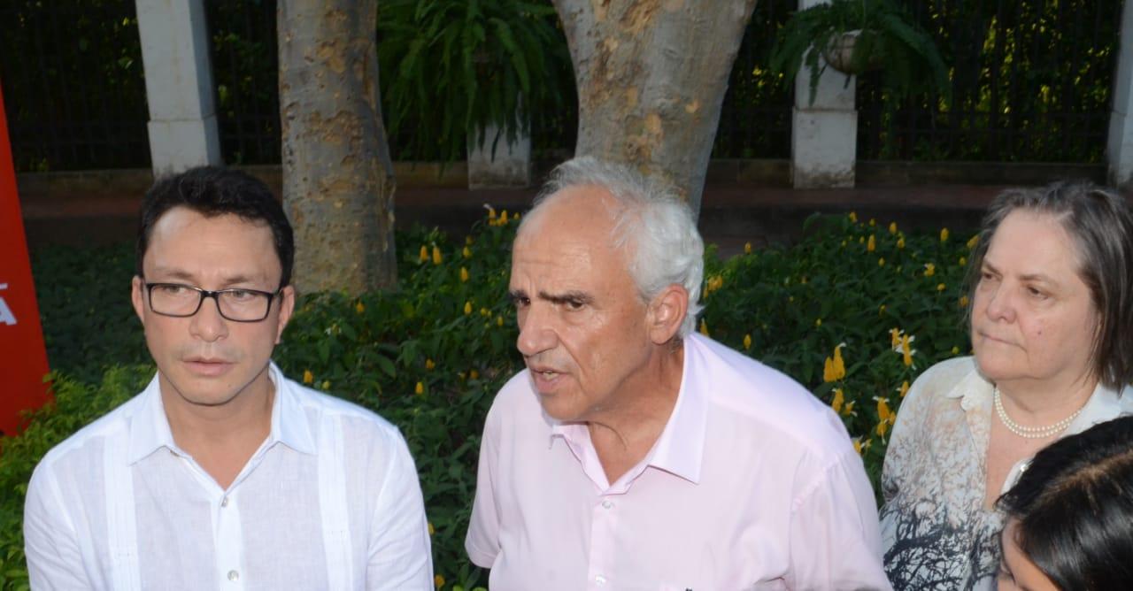Carlos Caicedo y Ernesto Samper en la Quinta de San Pedro Alejandrino.