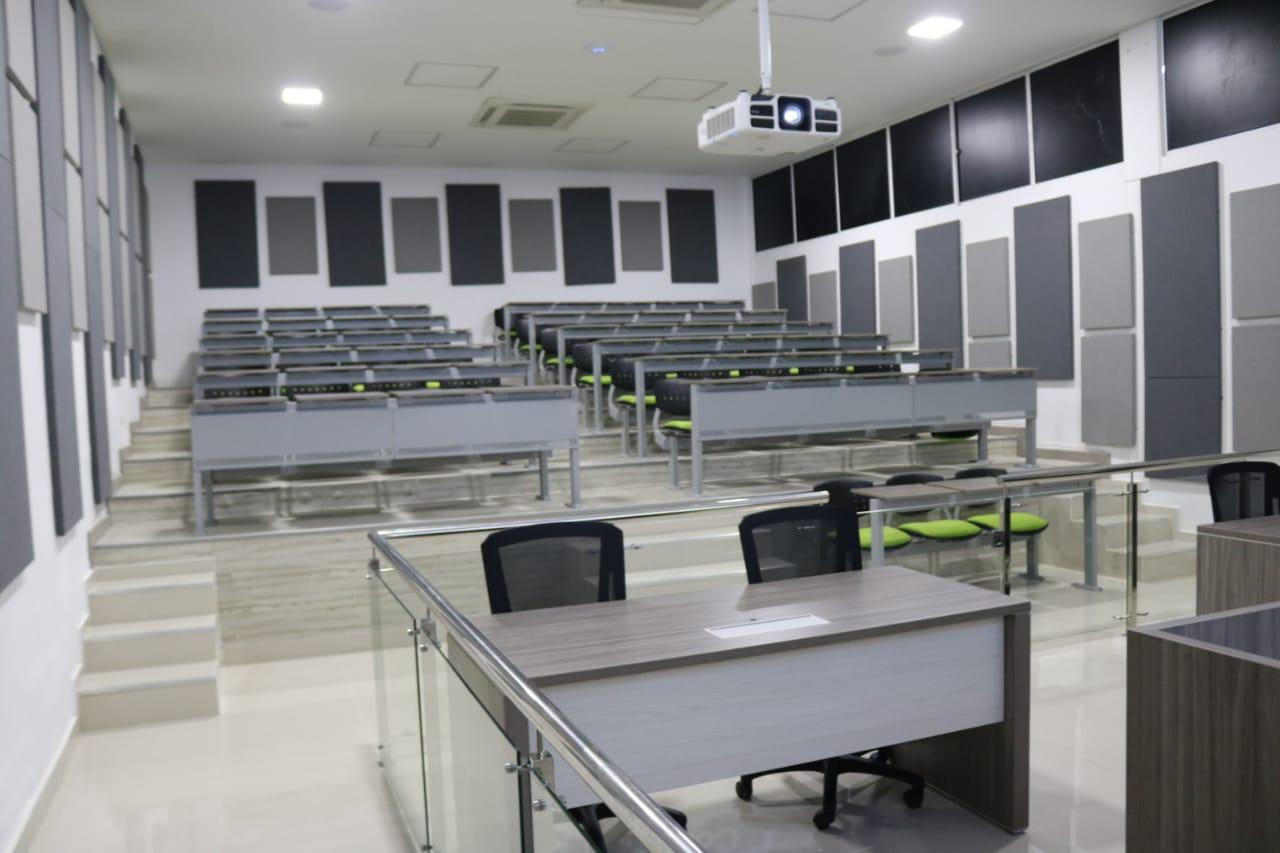 La nueva Sala de Audiencias del Programa de Derecho se encuentra ubicada en el primer piso del edificio de aulas Ciénaga Grande.