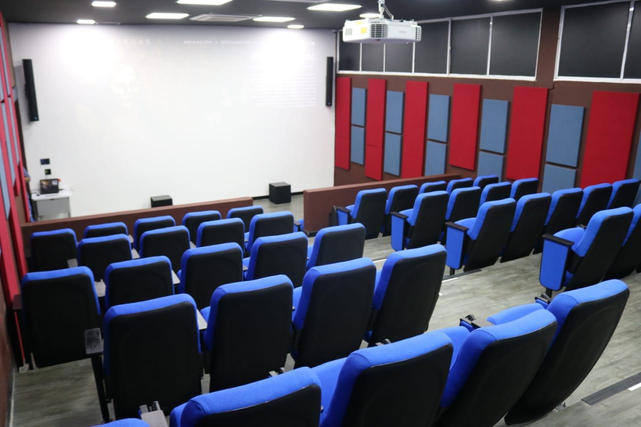 Sala de Proyecciones 'La Langosta Azul'.