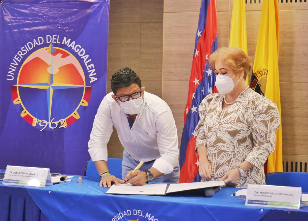 Firma del Acta de Posesión.