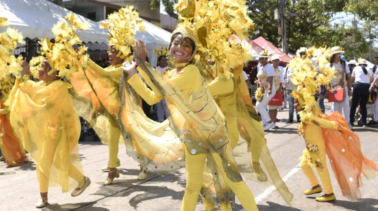 Desfile de niños en el carnaval de Barranquilla