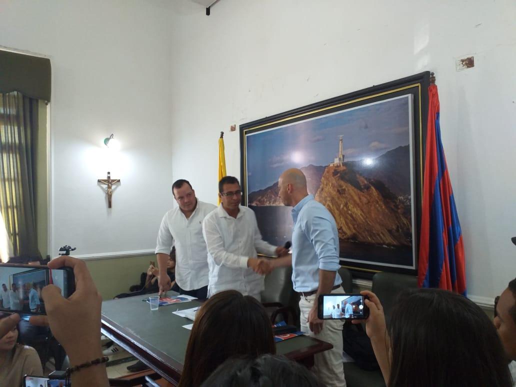 Carlos Cabas fue juramentado este martes como Contralor del Magdalena.