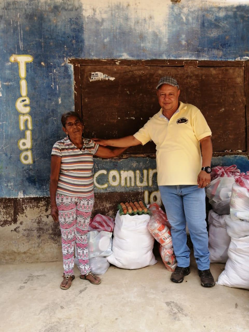 Agrosec durante el aislamiento obligatorio decretado por el Gobierno a causa del covid-19, ha destinado recursos para la compra de 81 mercados que han favorecido a igual número de familias que habitan en la Sierra.