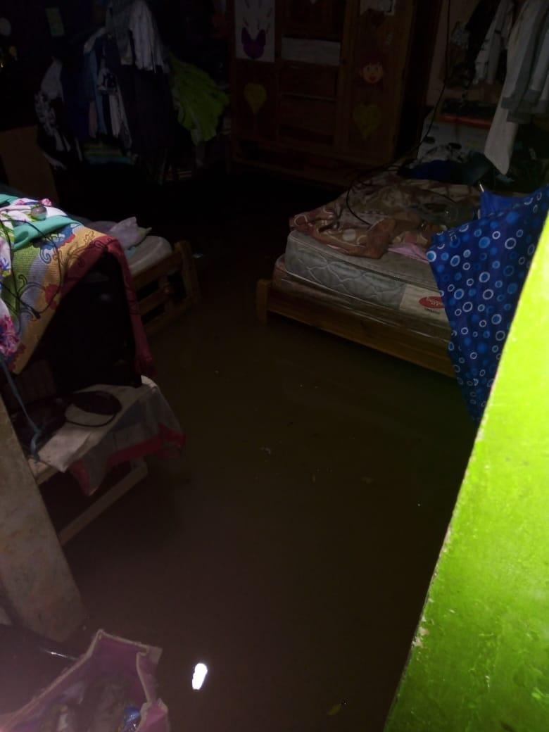 El agua se metió en varias casas de Aracataca.