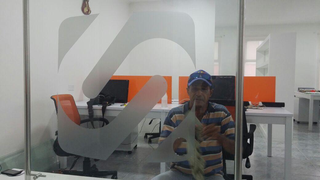 Adecuaciones de la primera oficina de Seguimiento.co en Santa Marta.