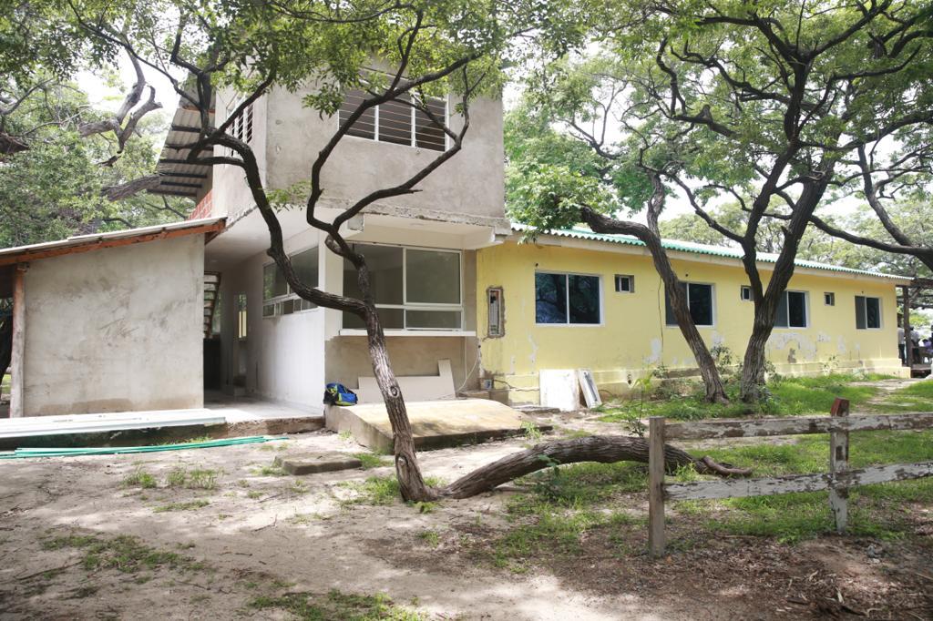 Edificación en concreto en el predio de Bahía Concha.