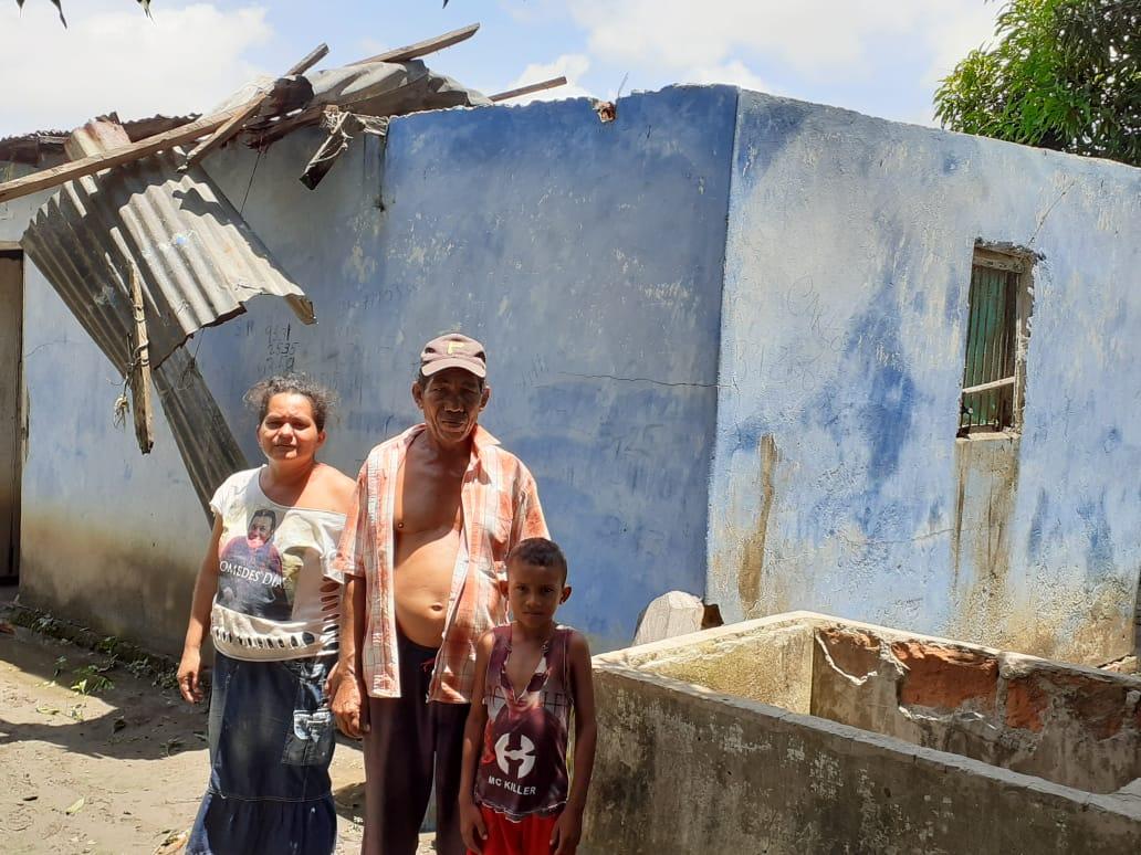 Varias familias afectadas por el vendaval.