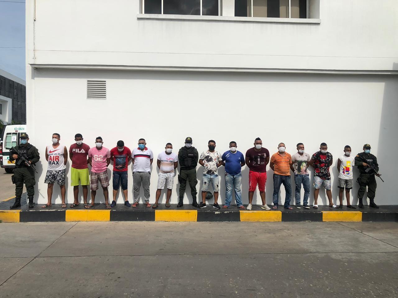 Presuntos integrantes de 'Los Carperos'.