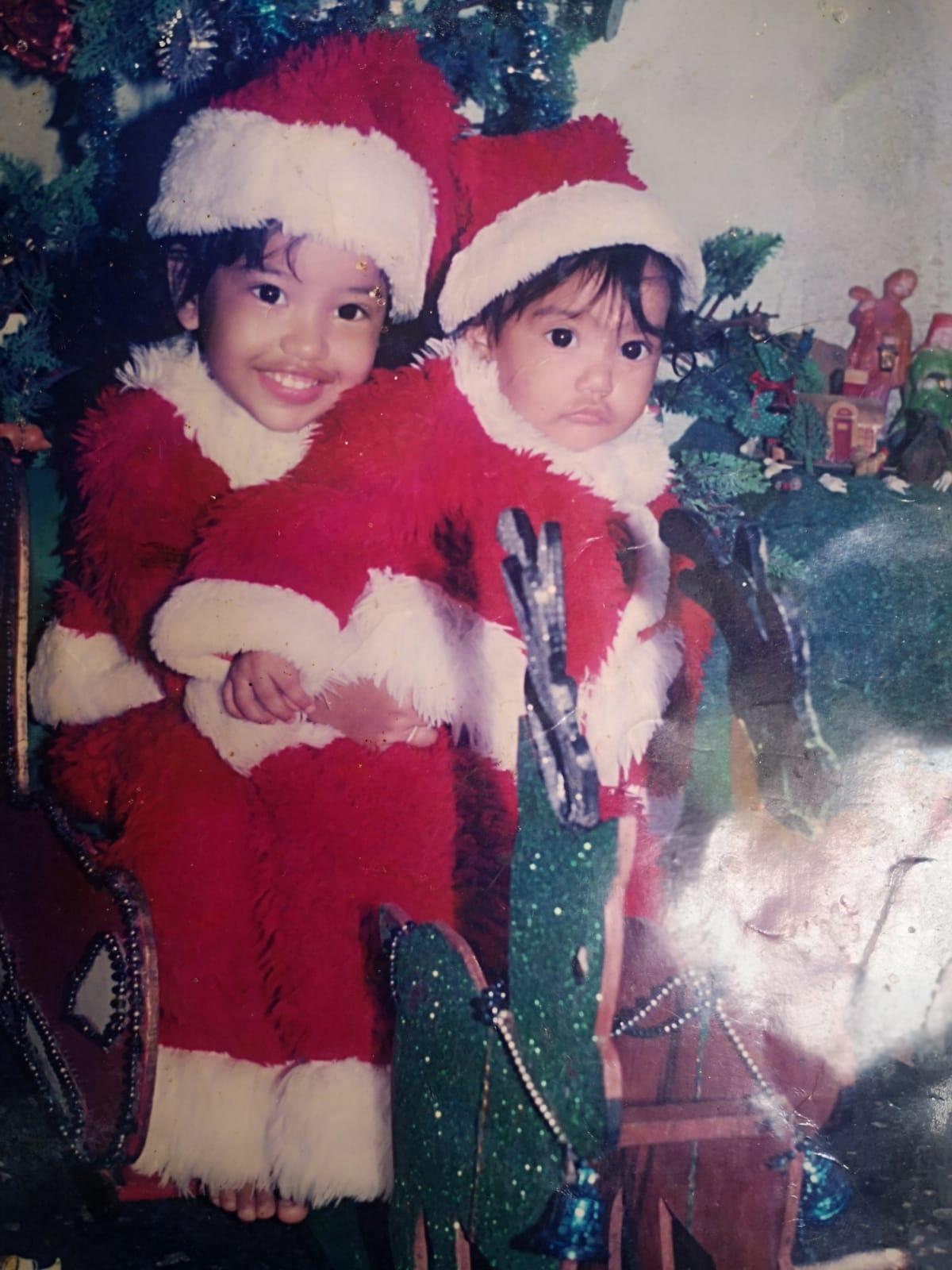 Laura Valentina y su hermana Melani cuando eran niñas.