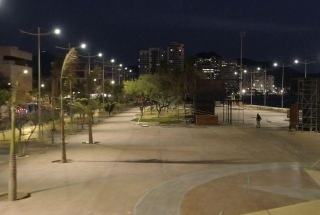 Prueba de luminarias, Camellón de la Bahía.