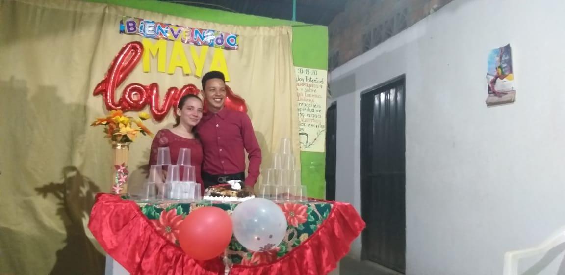 Jair y Maryuri, un amor que nació en la internet.