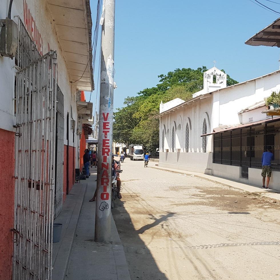 En Guacamayal, pobladores manifestaron estar inconformes con el servicio.