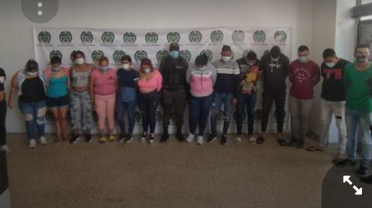 Los 17 presuntos integrantes de 'Los Costeños', capturados el pasado viernes 26 de marzo.