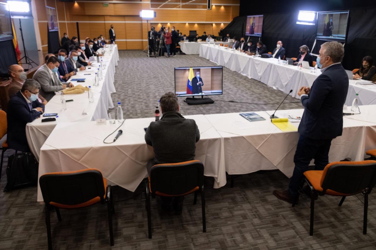 Reunión entre el presidente y algunos gobernadores.
