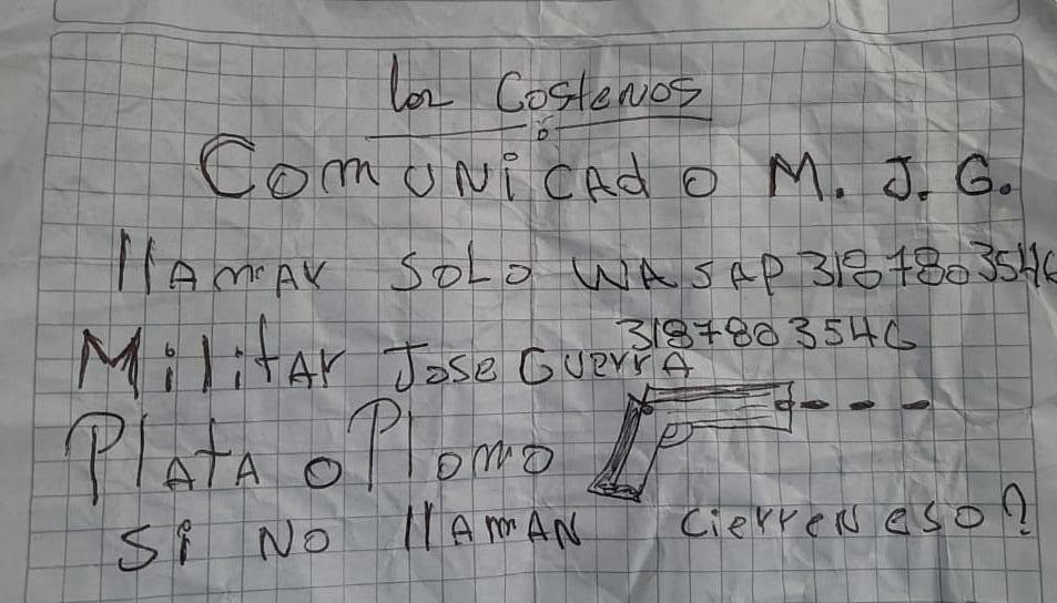 Uno de los panfletos que le encontraron a Orlay José Patiño Sarabia