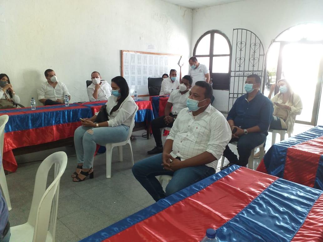 Algunos concejales de Fundación asistieron a la sesión.