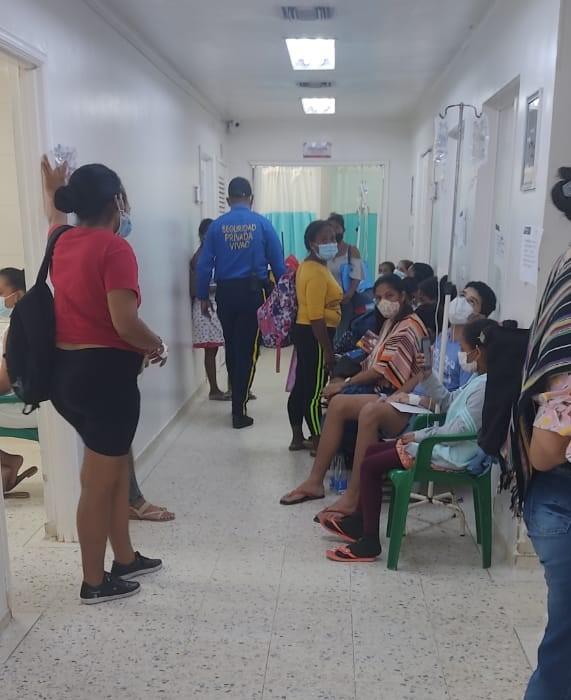 Así estaba la sala de urgencias del hospital este jueves.